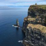 アラン諸島のイニシュモア島でサイクリング!遺跡巡りと断崖絶壁の旅